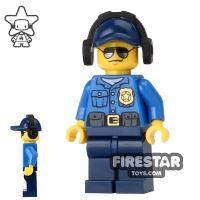 Product shot LEGO City Mini Figure - City Police Officer 6
