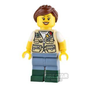 Product shot LEGO Ideas - Fisherwoman