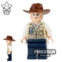 Product shot LEGO Jurassic World Figure - Vet - Fedora Hat - Scowl