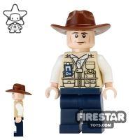 Product shot LEGO Jurassic World Figure - Vet - Fedora Hat