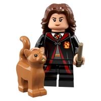 Product shot LEGO Minifigures 71022 Hermione Granger Hogwarts Robes
