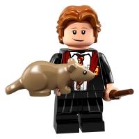 Product shot LEGO Minifigures 71022 Ron Weasley Hogwarts Robes