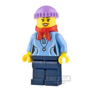 Product shot LEGO Holiday Minifigure Knit Cap and Bandana