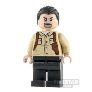 Product shot LEGO Jurassic World Figure Vic Hoskins Black Hair